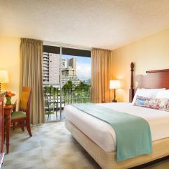 Hotels With Kitchens In Waikiki Reface Old Kitchen Cabinets Rooms And Accommodations For Aqua Ohia Aston