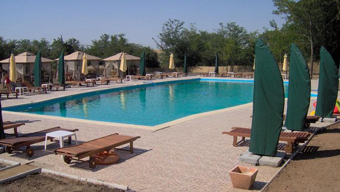 Amenajare piscina Hanul Calugarenilor