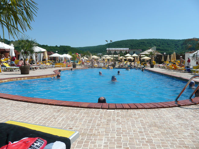 Amenajare piscina Shaker Club