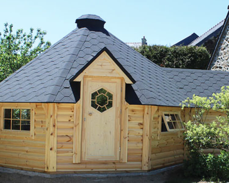 9.2m with extension bbq hut