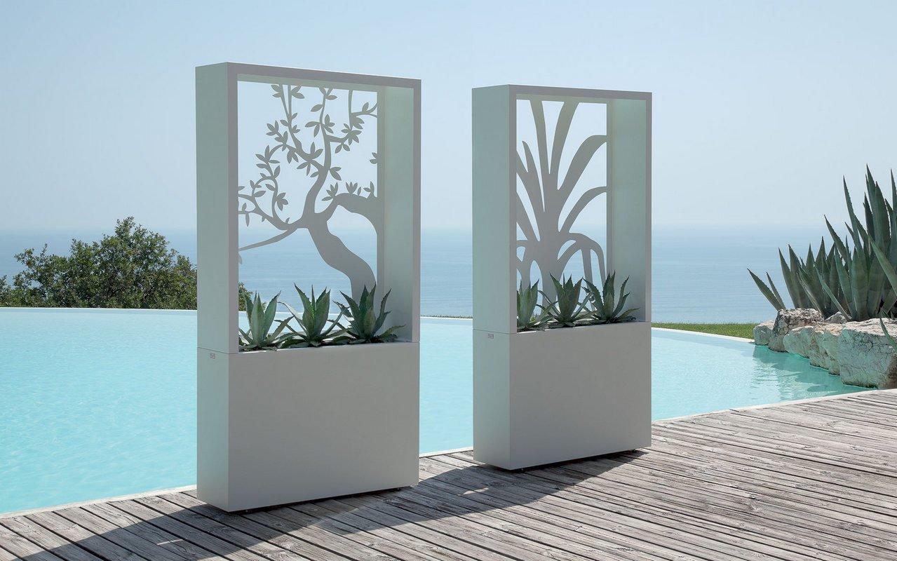 Agave Outdoor Decorative Planter Box By Talenti