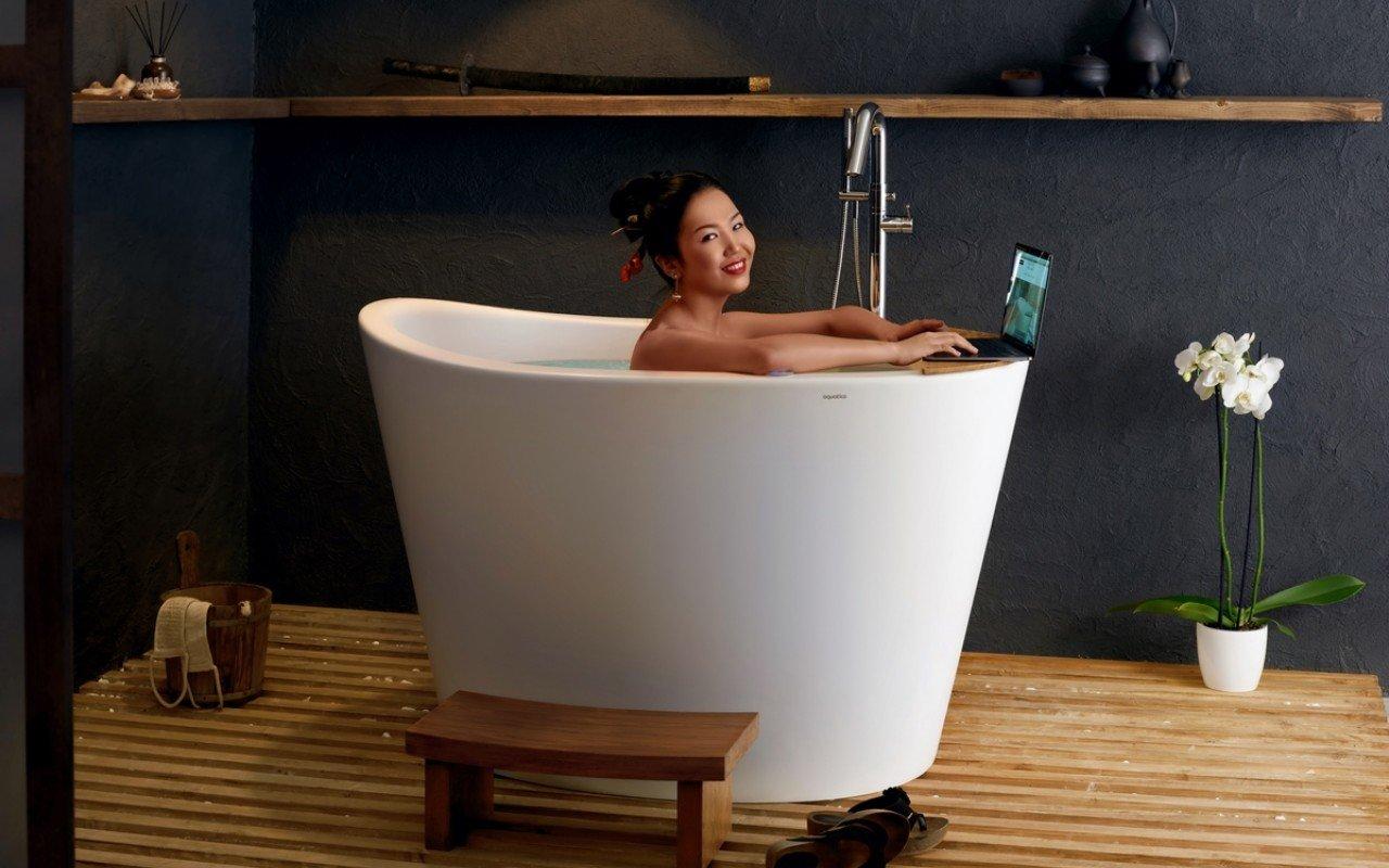 Aquatica True Ofuro Tranquility Heated Japanese Bathtub
