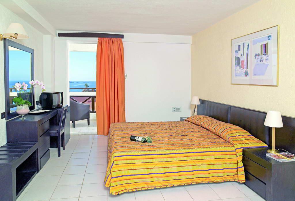 Hotel Hersonissos Palace Creta 4 Demipensiune sau All Inclusive