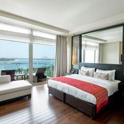 80 Inch Tv In Living Room Blue Curtain Hotel Rixos The Palm Dubai 5*