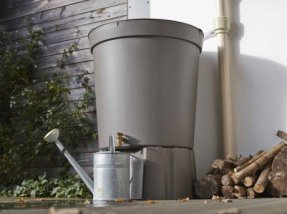 installation d'un récupérateur d'eau pour jardin