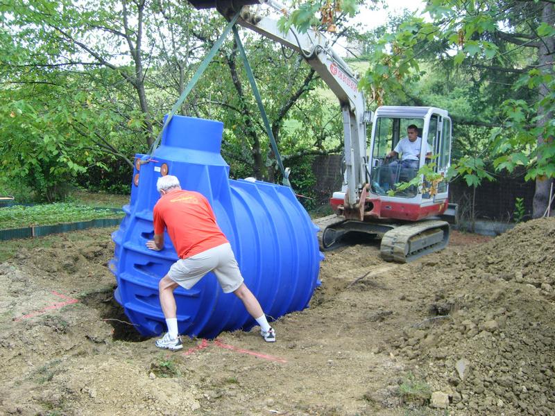installation d 39 une cuve de r cup ration d 39 eau de pluie. Black Bedroom Furniture Sets. Home Design Ideas