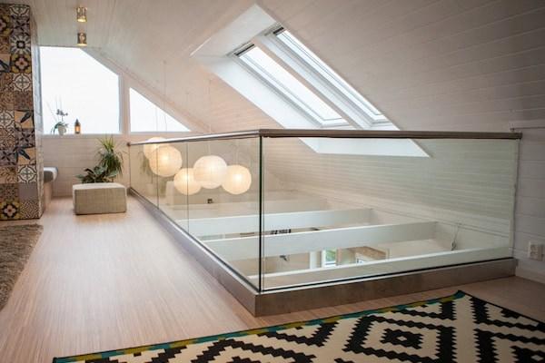Modern Glass Railing Design Ideas Aquaview | Stair Railing Design Modern With Glass | L Shape | Interior Residential Metal | Simplistic | Grill | Button Glass
