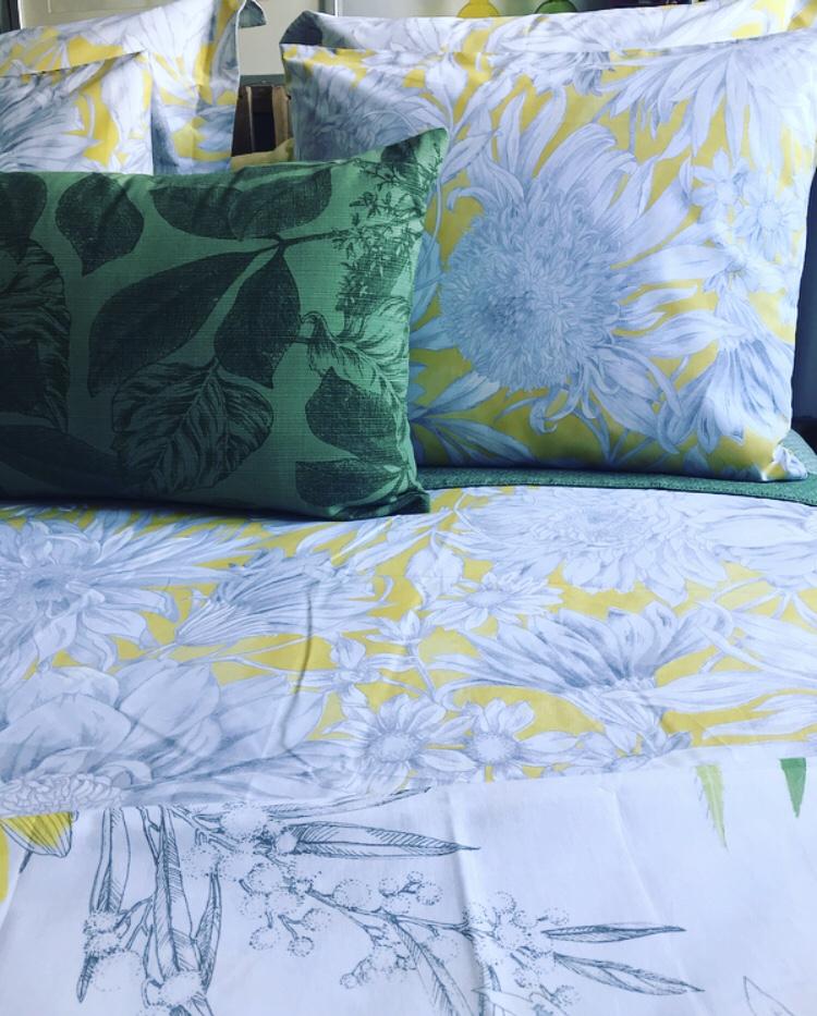 La alegría del amarillo en nuestro dormitorio - Zara Home