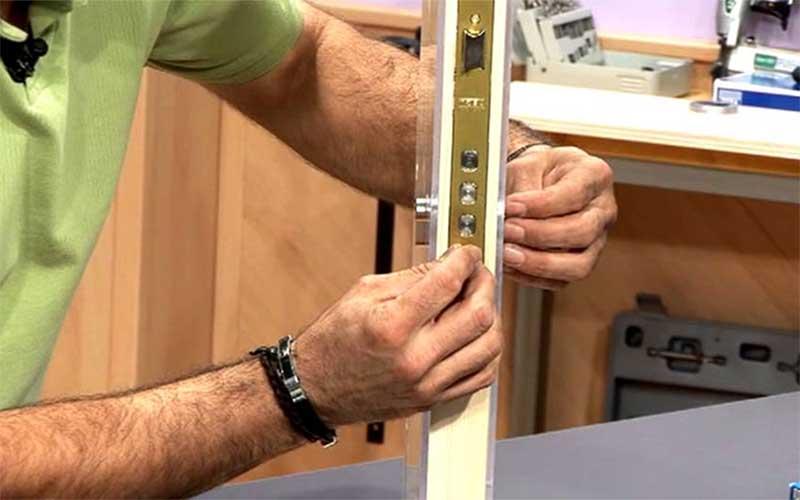 cambiar la cerradura de la puerta acorazada