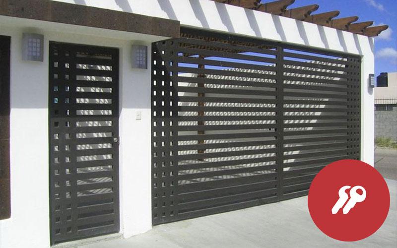 puertas con rejas de seguridad