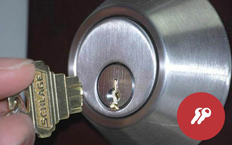 sacar una llave partida de una cerradura