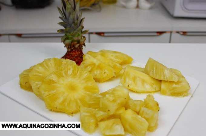 Como descascar abacaxi