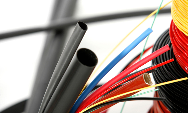Pasos para ocultar los cables eléctricos en el hogar