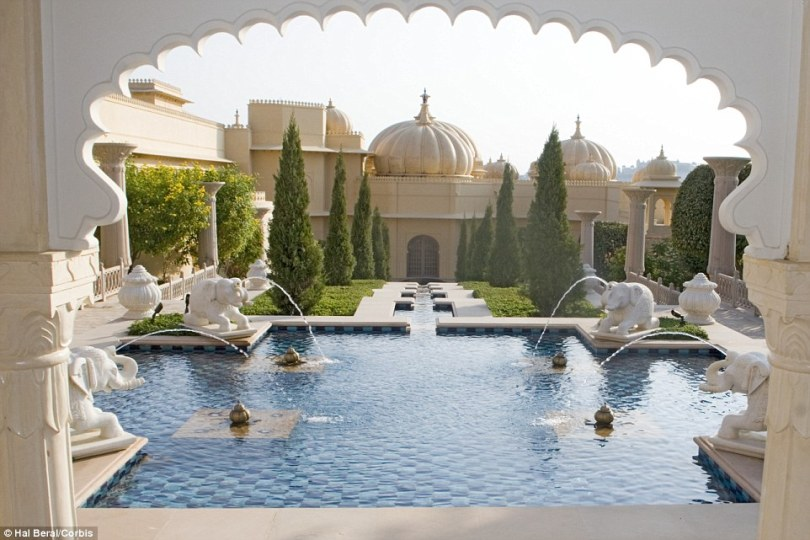 2A61680600000578-3155138-The_Oberoi_Udaivilas_in_Udaipur_India_has_been_voted_the_world_s-a-58_14364606528171