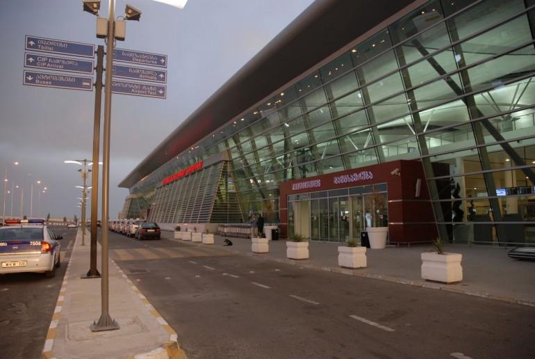 مطار تبليسي
