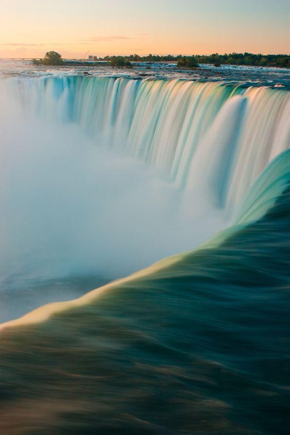 شلالات كندا