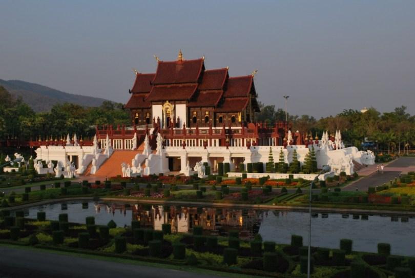 قصر بهوبينج
