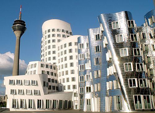 مبنى Der Neuer Zollhof