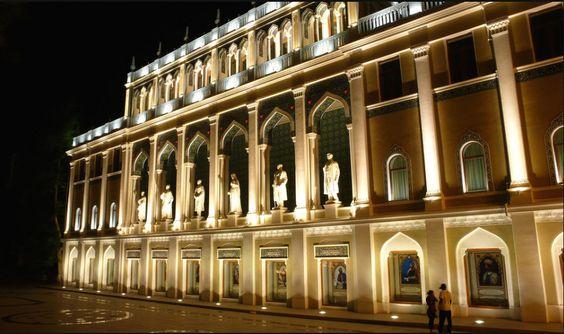 متحف نظامي للأدب الأذربيجاني