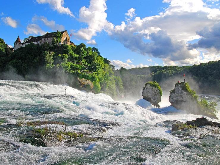 شلالات الراين بسويسرا
