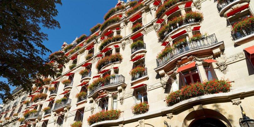 فندق بلازا أثيني باريس