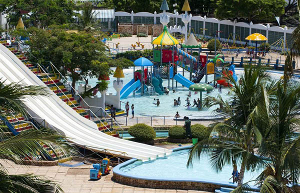kunduchi wet n wild water park