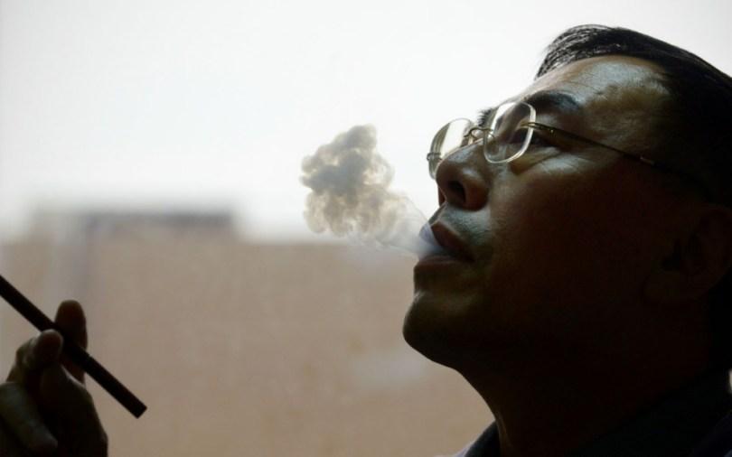 احترس من دخان السجائر
