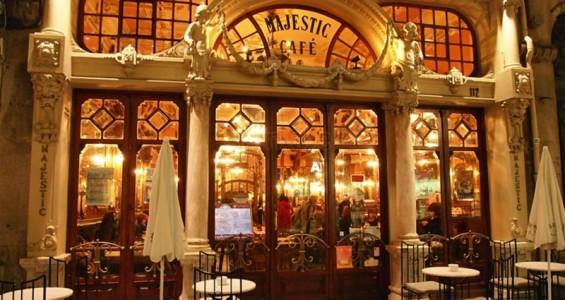 مقهى ماجستيك في بورتو البرتغال
