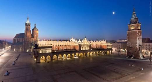 الساحة الرئيسية فى كراكوف بولندا