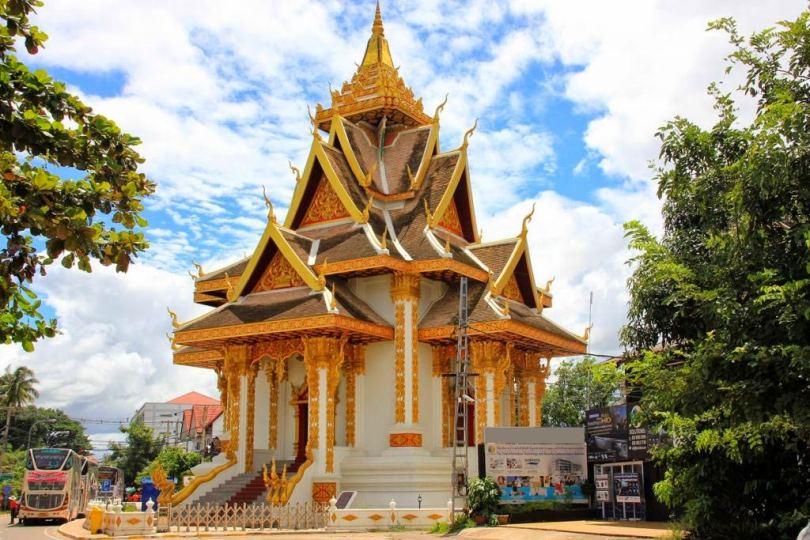 معبد Wat Si Muang