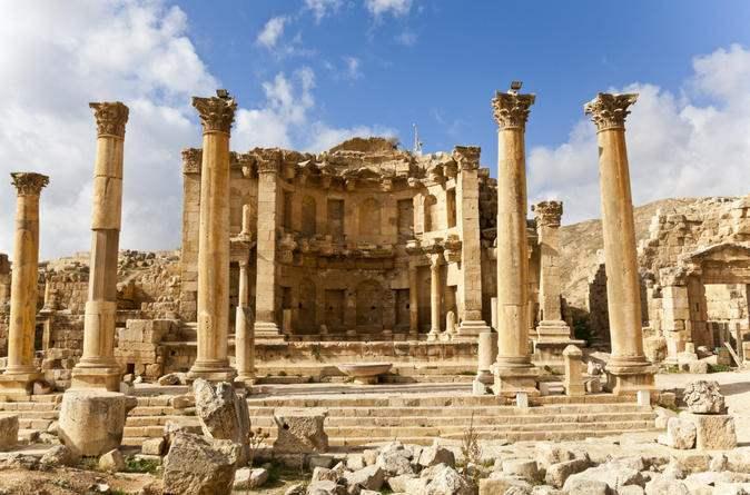 رحلتك إلى الأردن