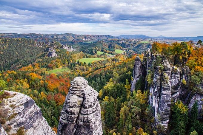 10 حدائق عالمية تستحق أن تزورها في فصل الخريف لتستمتع بسحر ألوانها الذي لا يضاهيه شيء