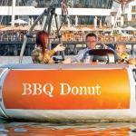 مطعم بورد ووك بنادي خور دبي يفاجئ روداه بتجربة قارب الباربيكيو دونات الفريدة