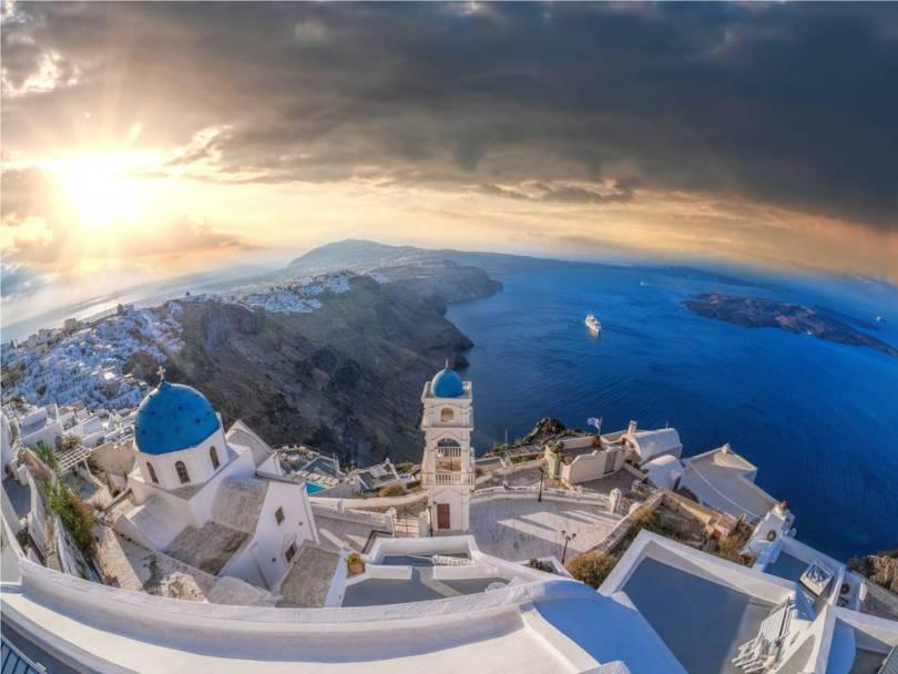 شهر العسل في اليونان