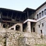 السياحة في بيراتألبانيا وأجمل الأماكن السياحية هناك