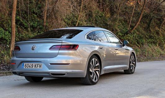 Volkswagen Arteon, hereu del Passat CC