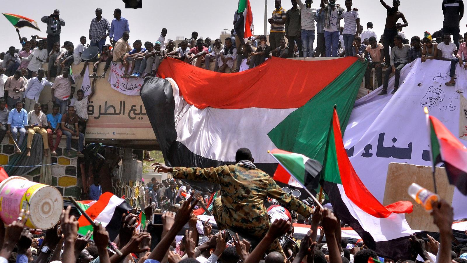 L'exèrcit convoca eleccions anticipades d'aquí nou mesos al Sudan