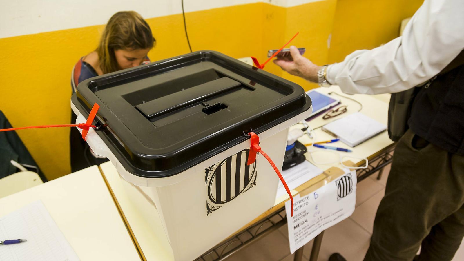 La caixa de solidaritat fa una crida a assolir els 700.000 euros necessaris per aixecar els embargaments del jutjat 13