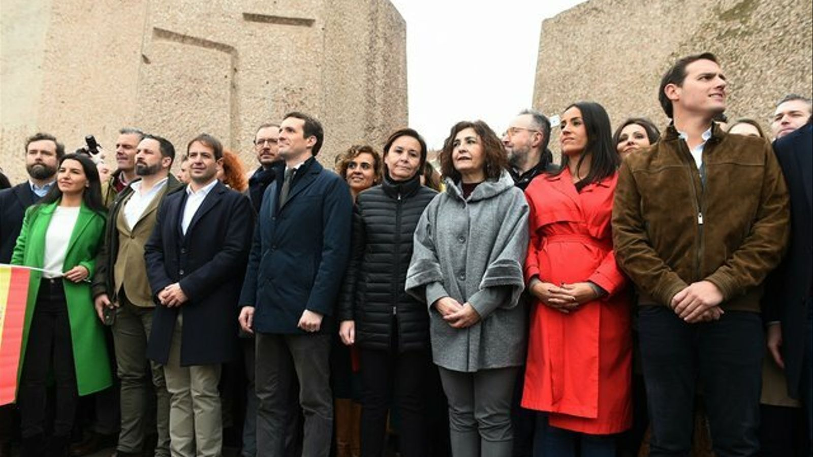 """Guerra de la dreta al Twitter: Vox li diu """"acollonit"""" a Rivera i Cs respon amb un vídeo de la cançó """"Loco Vox"""""""