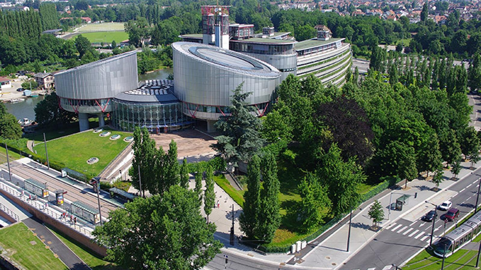 Estrasburg dicta que la cadena perpètua no revisable viola els drets humans