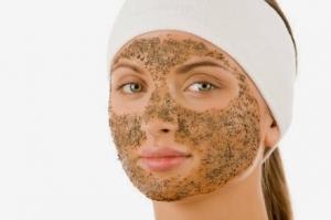 10 خلطات لصنفرة الوجه طبيعيا