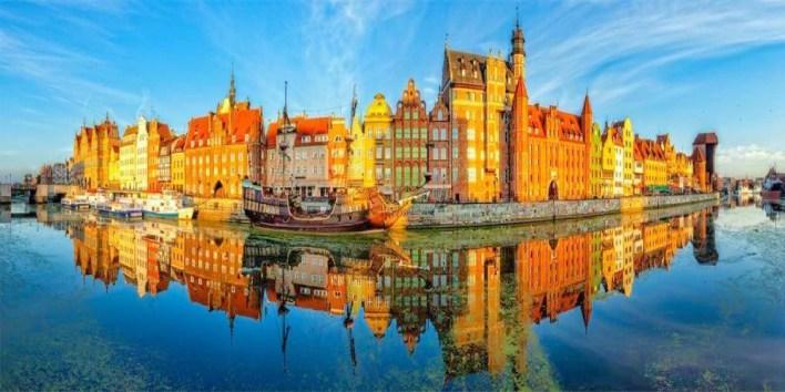 بولندا تعيد حظر الرحلات الجوية الوافدة من 46 دولة | جريدة العربي الأفريقي