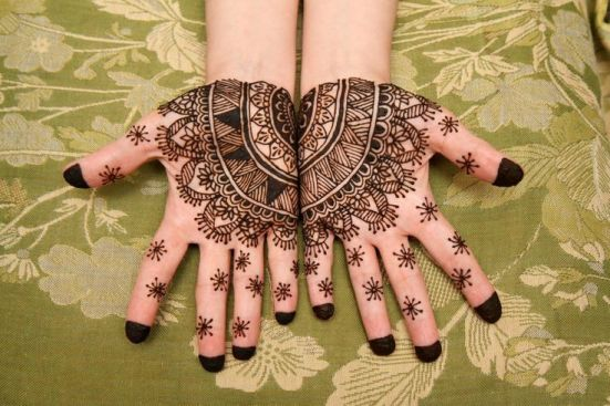 Henna - A Beautifying Agent For More Than Five Millennia