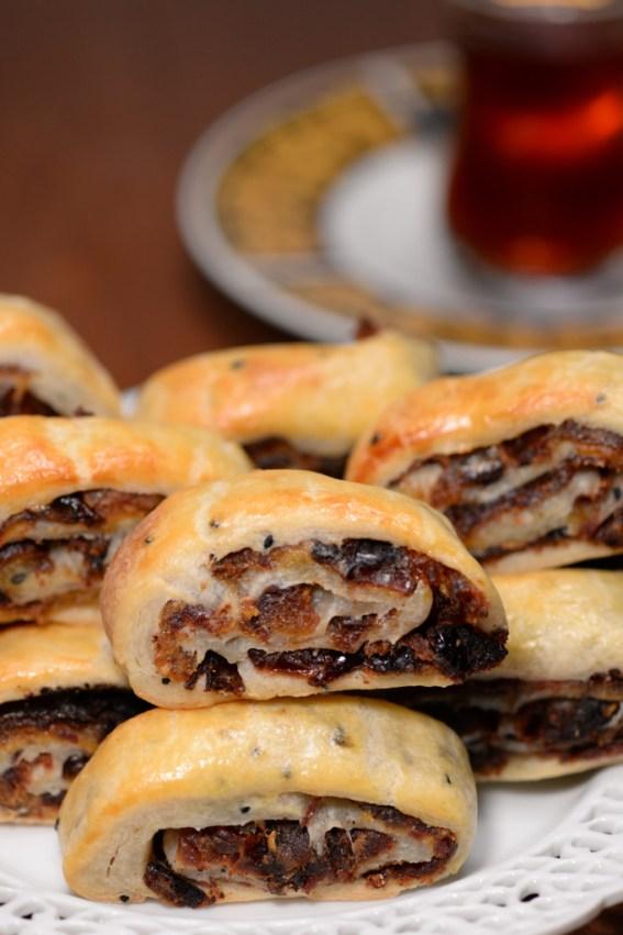 Kleicha: Traditional Iraqi Christmas Cookies