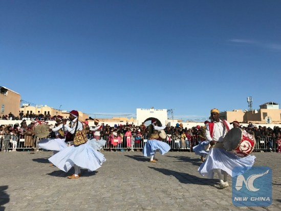 "Feature: Tunisian Small Town Attracts Flocks of Tourists with ""Exotic"" Desert Festival"