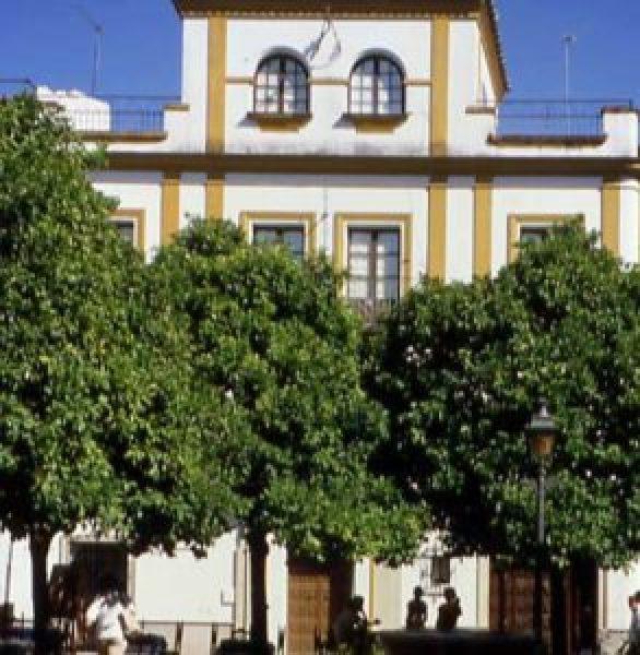 Seville's Barrio De Santa Cruz Retains The Aura Of Its Dazzling Moorish Past