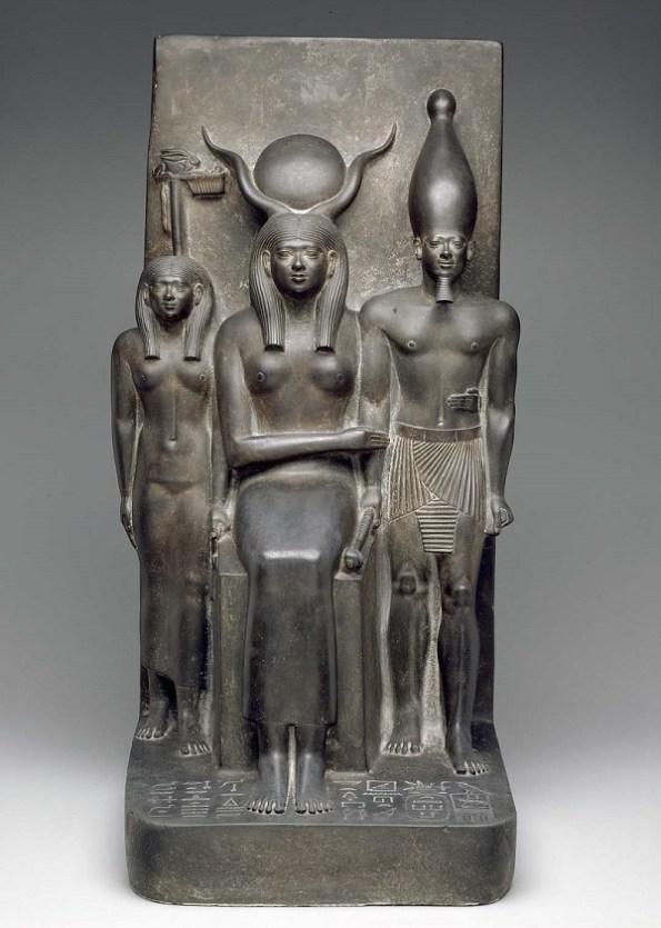 Top 6 Egyptian Artifacts Recovered from the Great Pyramids of Giza