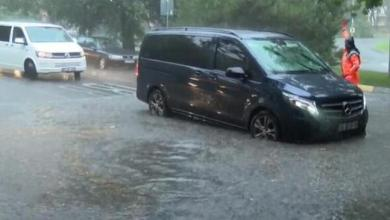 فيضانات في إسطنبول..غرق شوارع وتوقف العبارات والترام 5