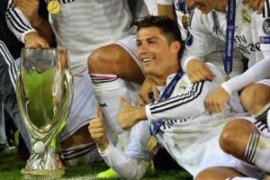 رونالدو يسجل مرتين ويقود ريال مدريد لاحراز كأس السوبر الاوروبية