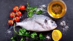 السمك يعزز صحة الإنسان ويطيل عمره